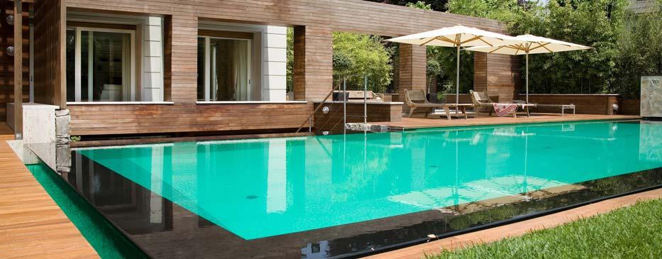 Realizzazione piscine italia for Piscina con cascata