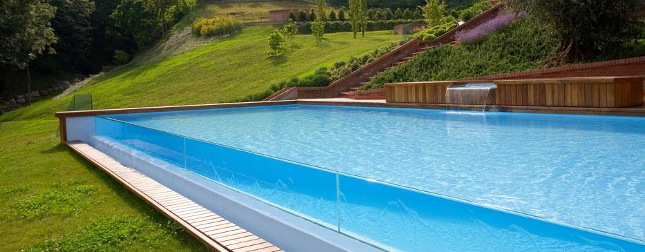 Realizzazione piscine italia - Piscina in vetro ...